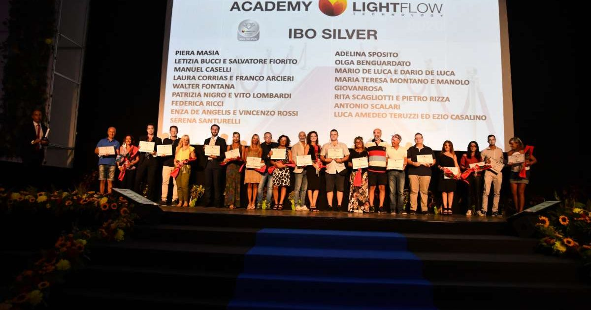 Lightflow Premia I Suoi Collaboratori